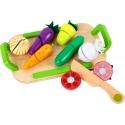 Medinis pjaustomų daržovių rinkinys su padėklu