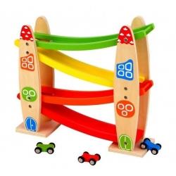 Medinė trasa - kalneliai su mašinytėmis