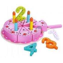 Pjaustomas gimtadienio tortas